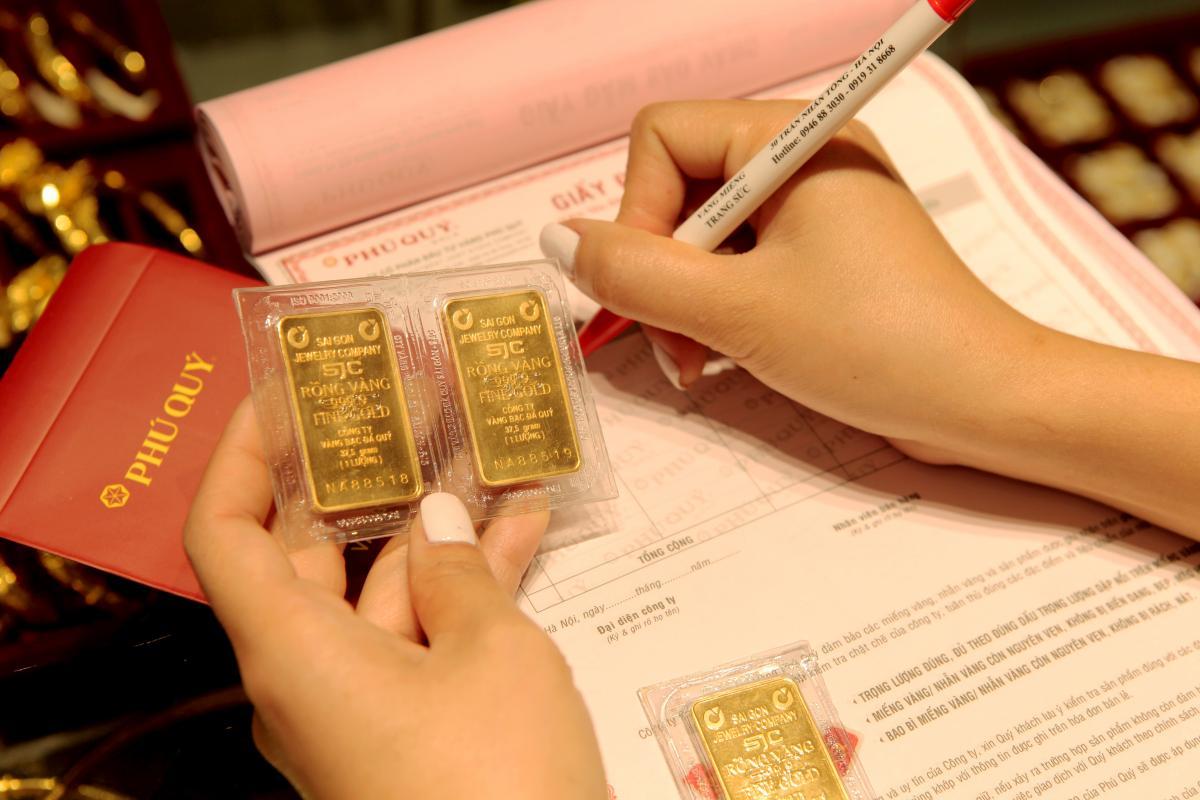 Bạn có thể lỗ vốn khi chênh lệch mua/bán vàng lớn vào ngày thần tài