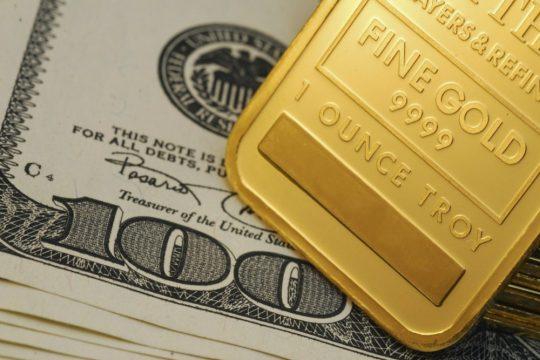 """""""Thần đèn"""" cứu thị trường vàng"""
