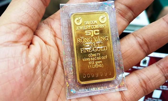 Giá vàng SJC tiếp tục đà giảm nhẹ tại các hệ thống